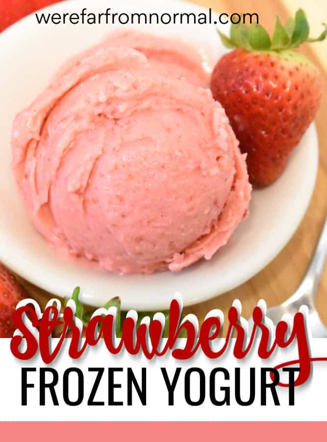 homemeade strawberry frozen yogurt
