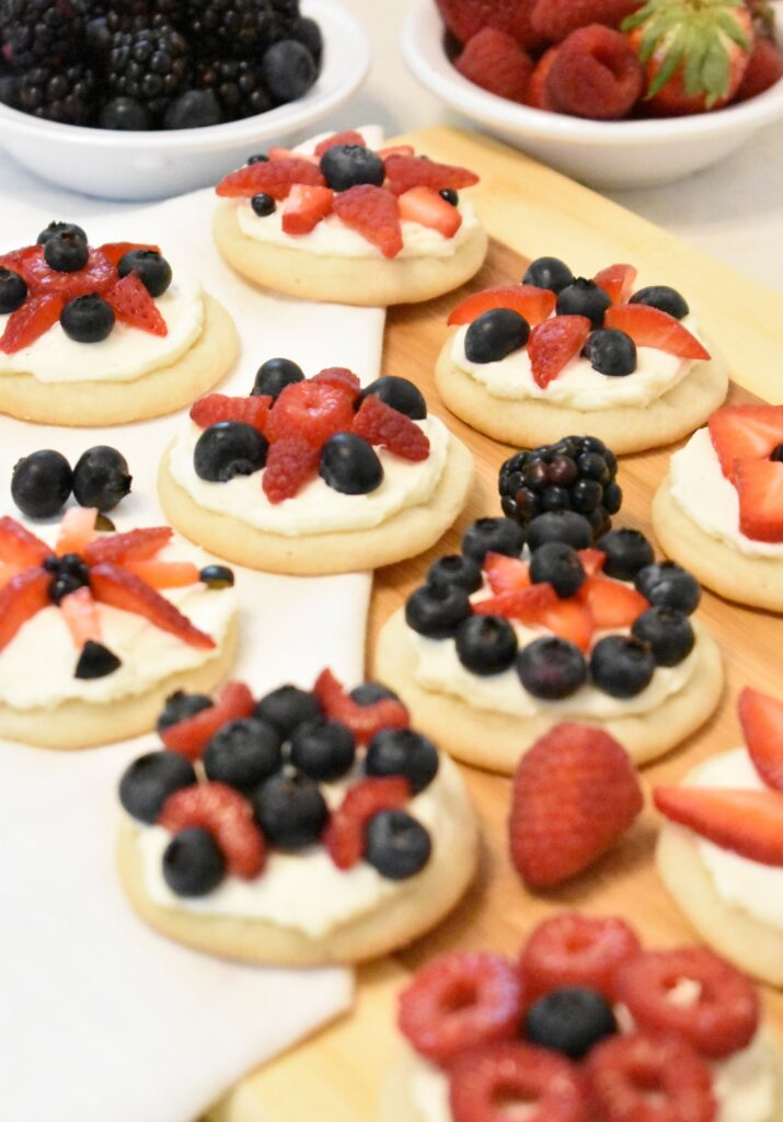 red white and blue mini fruit pizzas