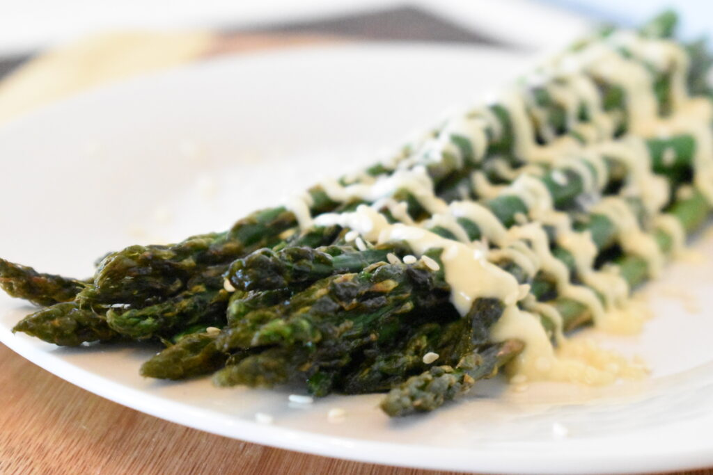 Roasted asparagus with creamy sesame sauce