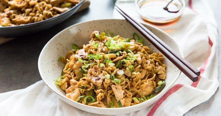 15 minute Chicken Ramen Stir Fry