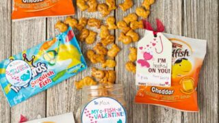 Free Valentine Tags - o-FISH-al Valentine's - Moms & Munchkins